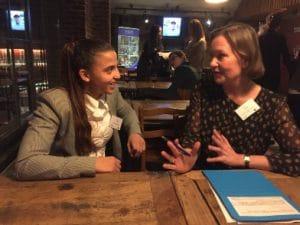 Amal-Amjahid-discute-avec-Caroline-Petit-evenement-OIM
